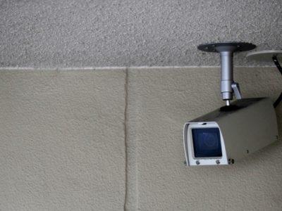 会社に防犯監視カメラを導入設置するメリットとデメリット